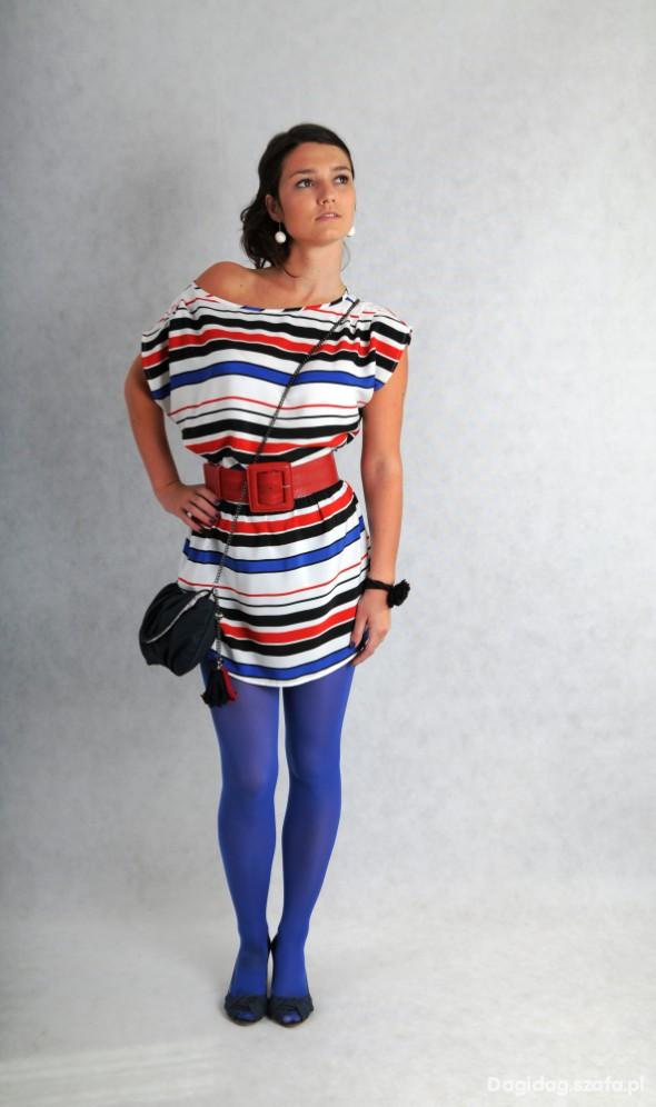 Mój styl Tunika w polaczeniu z kolorowymi rajstopami