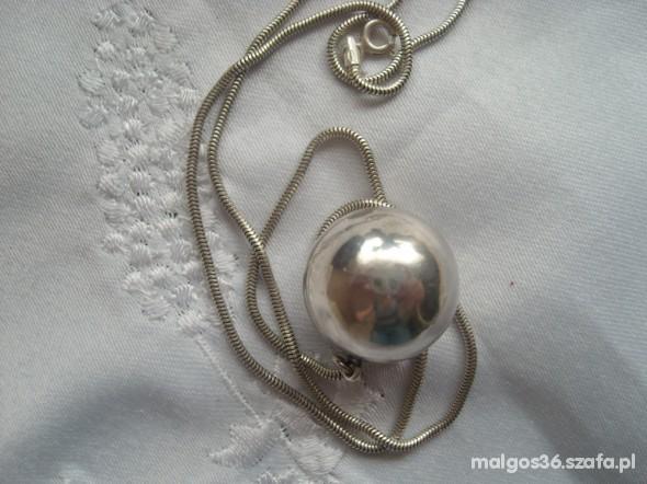 Wielka srebrna kula