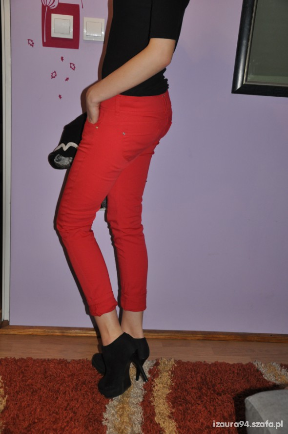 Mój styl czerwone rurki w roli glownej