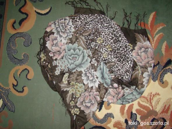 Chusty i apaszki H&M oryginalny kwiecisty wzór