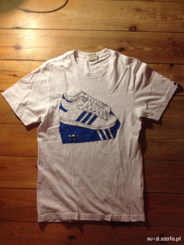 biały tshirt adidas originals sneakersy