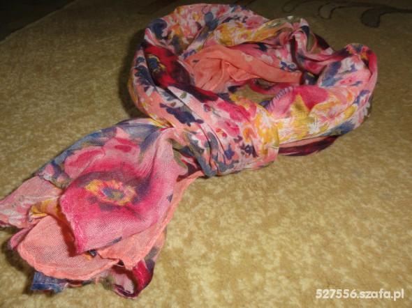 Chusty i apaszki chusta w kwiatki