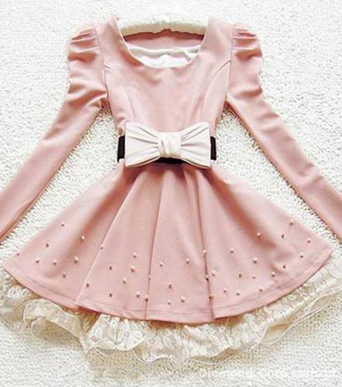 Pudrowe sukienki