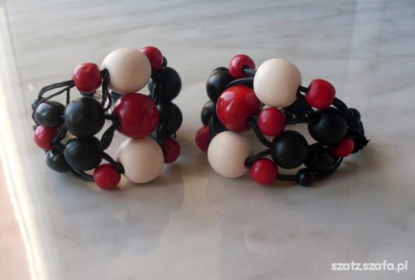 800 czarna drewniana bransoletka biel czerwień