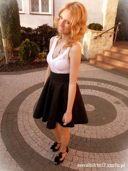 Mój styl Ślubnie koronka i rozkloszowana spódnica