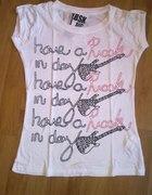 biała koszulka z gitarami bsk