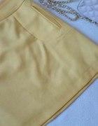 żółta neon spódniczka mini trapezówka od Mohito...