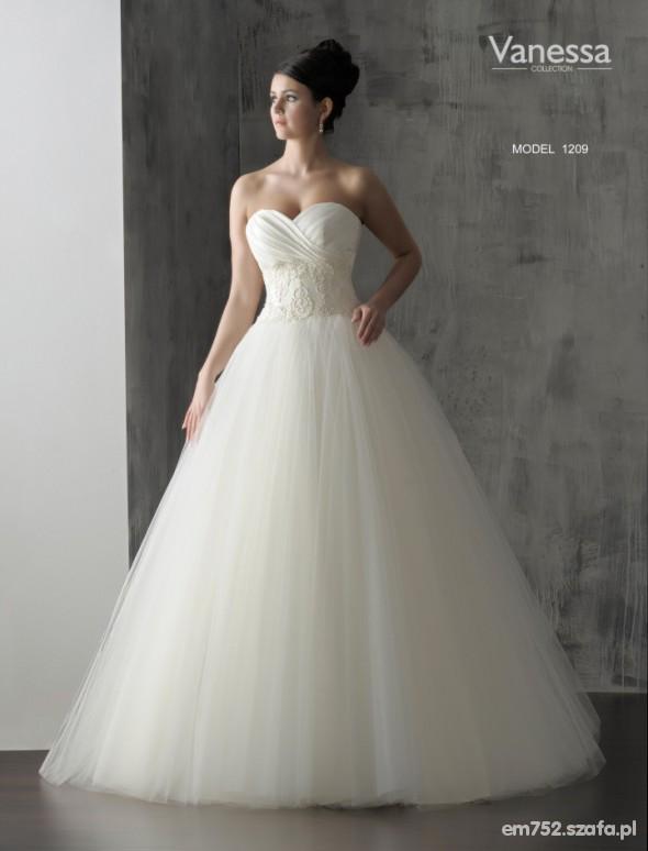 Suknia ślubna W Suknie ślubne Szafapl