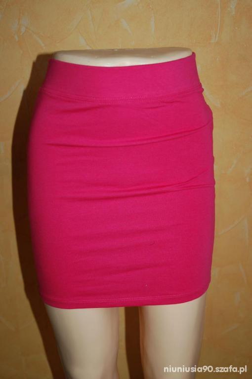 Różowa spódnica Bershka