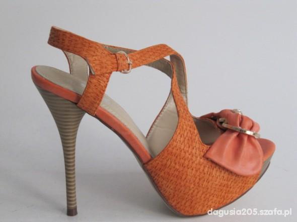 Sandały Kolorowe sandałki Szpilka