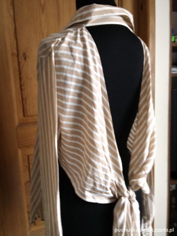 koszula z odsłoniętymi plecami