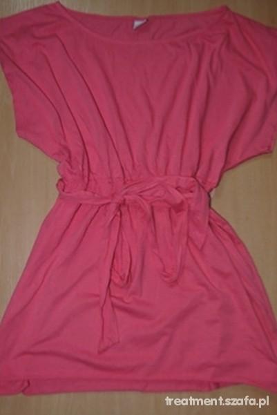 malinowo różowa tunika Gina Tricot...