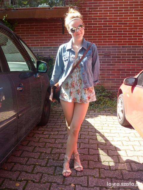 Sukienka katanka i sandalki