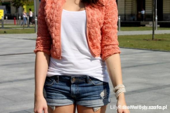 Koralowa marynarka sweterek Motyw z róż