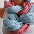 śliczna pastelowa błękitna chustka
