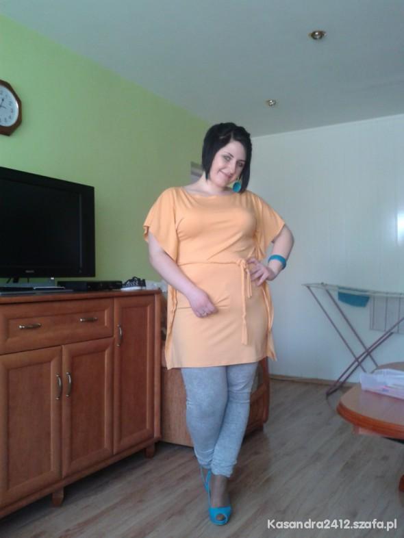 Imprezowe morelowo turkusowe polaczenie