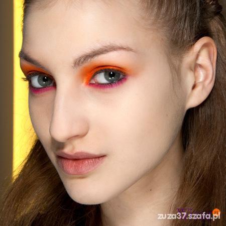 pomaranczowy cien