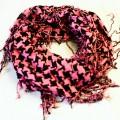 różowo czarna chusta