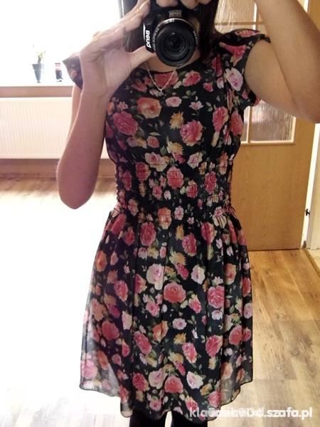 Kwiatowa sukieneczka idealna na lato