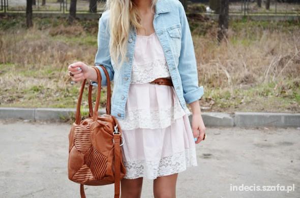 Romantyczne light pink lace