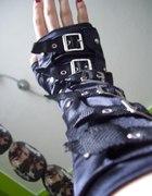 Rękawiczki z klamrami