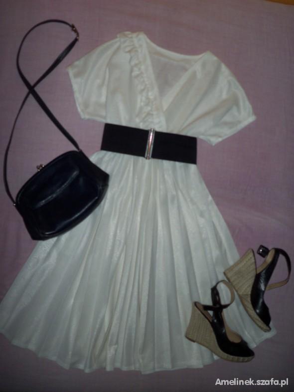 Na specjalne okazje Perłowa sukienka z dodatkami