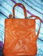 pomarańczowa ceglasta torebka