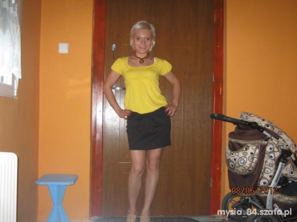 żółto...