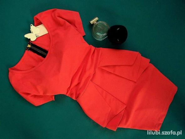Sukienka z baskinka KORALOWA S M