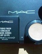 MAC Studio Finish Concealer NW20 SPF 35
