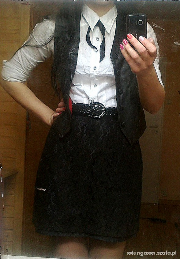 Eleganckie Dziewczęco i elegancko do szkoły lub pracy