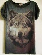 Bluzka Bershka z grafiką wilka