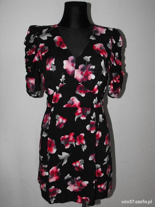 Suknie i sukienki Sukienka w róże z bufkami EVIE cena z wysyłką