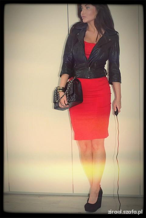 Eleganckie I got my red dress on tonight