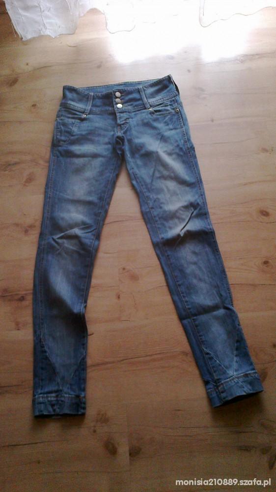 BERSHKA jeansy rozmiar 34