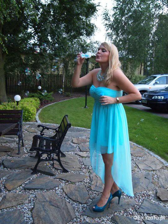 Na specjalne okazje Miętowa sukienka na wesele