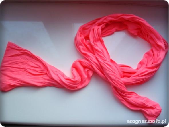 Chusty i apaszki Neonowy różowy szal