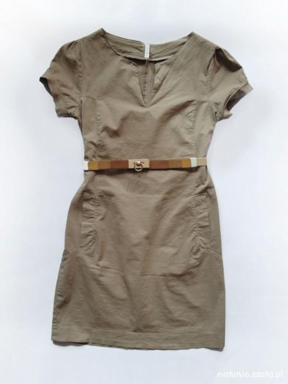 Piaskowa sukienka z paskiem S