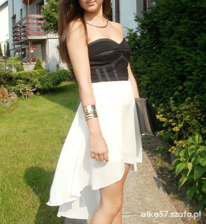 Romantyczne kremowa asymetryczna spódniczka