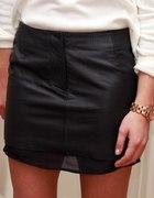 black leather skirt HM trend...