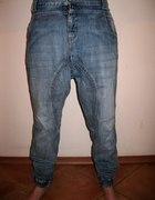 Spodnie z krokiem 25zł