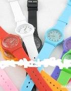 Proste kobiece sportowe zegarki NOWE