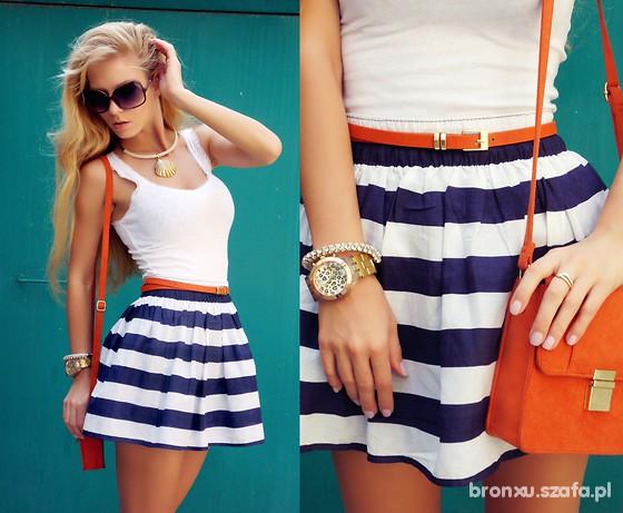 Orange Sailor