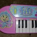 duże pianinko Fifi Niezapominajka
