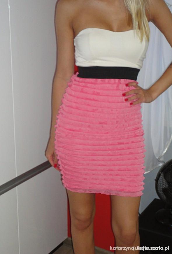 Suknie i sukienki Poszukuje takiej rozmiar M L