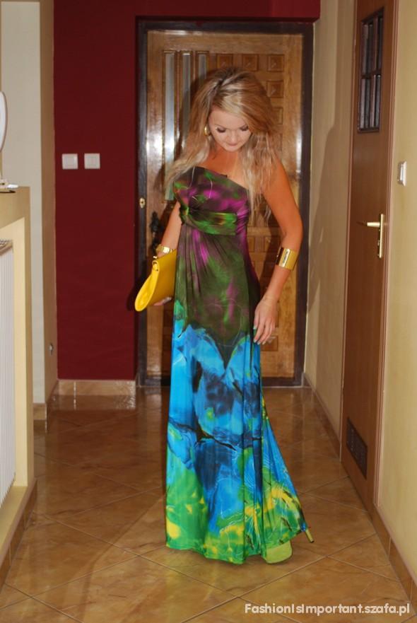 Wieczorowe galaxy & floral moja sukienka