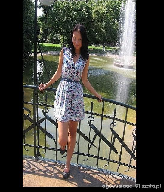 Romantyczne sukienka bershka