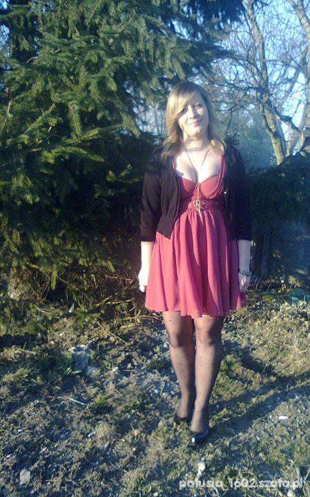 Na specjalne okazje Sukienka H&M plus rajstopki w serduszka