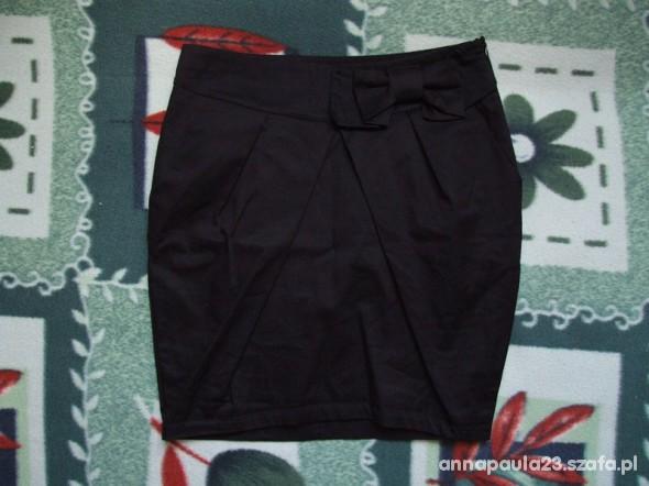 Spódnice Spódniczka bombka z kokardą