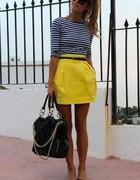 Marine i yellow